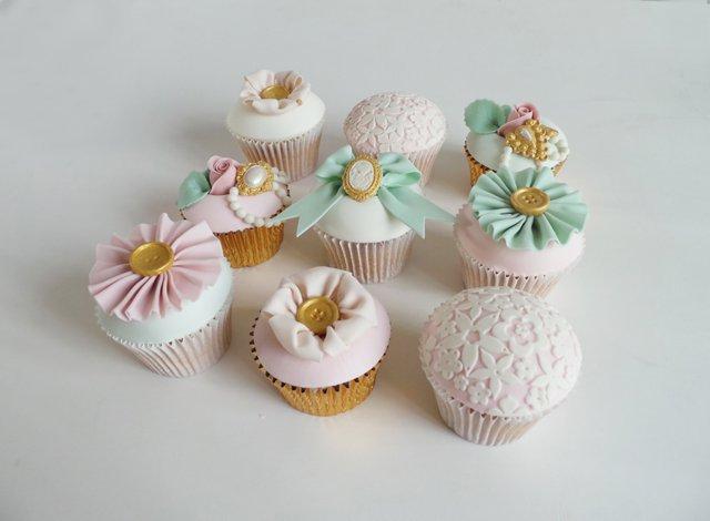 Amelies Kitchen Best Wedding Cake The Wedding Industry Awards 2015_0004