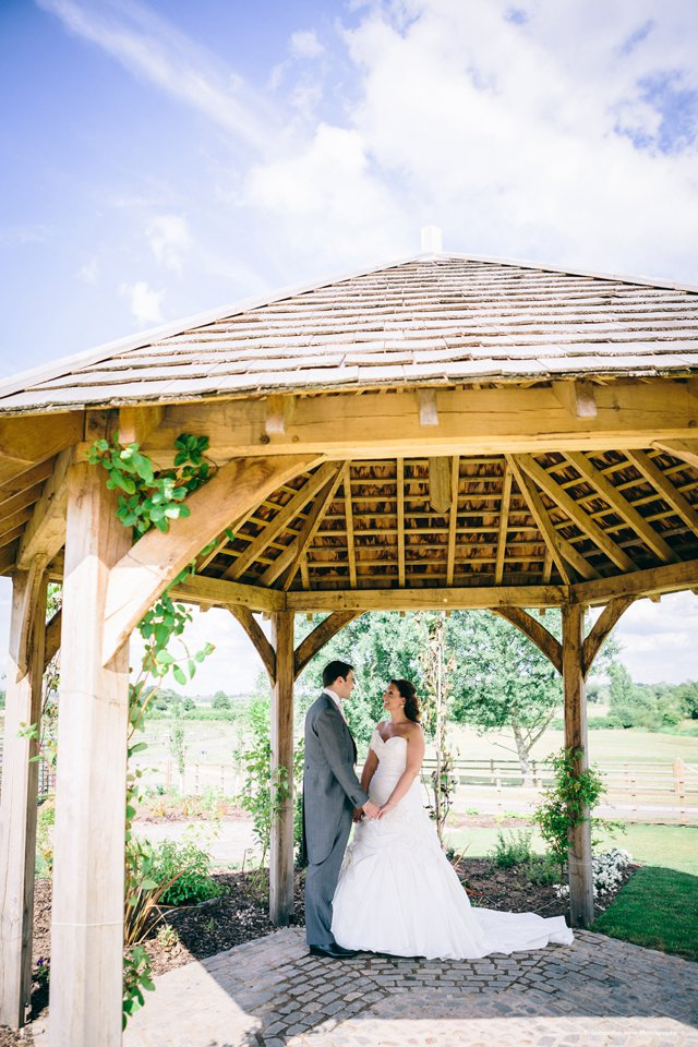 5 Fabulous Reasons to have a Barn Wedding Venue_0009
